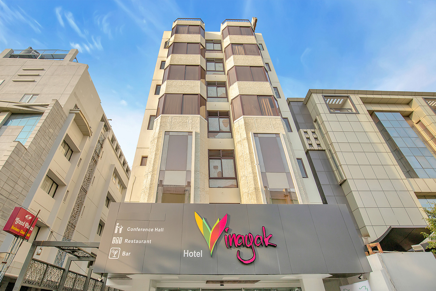 Best hotels in coimbatore near railway station|Vinayak IN"|1500|1000|?|c34e3416f7d0252baa83060e50a185fc|False|UNLIKELY|0.32039883732795715